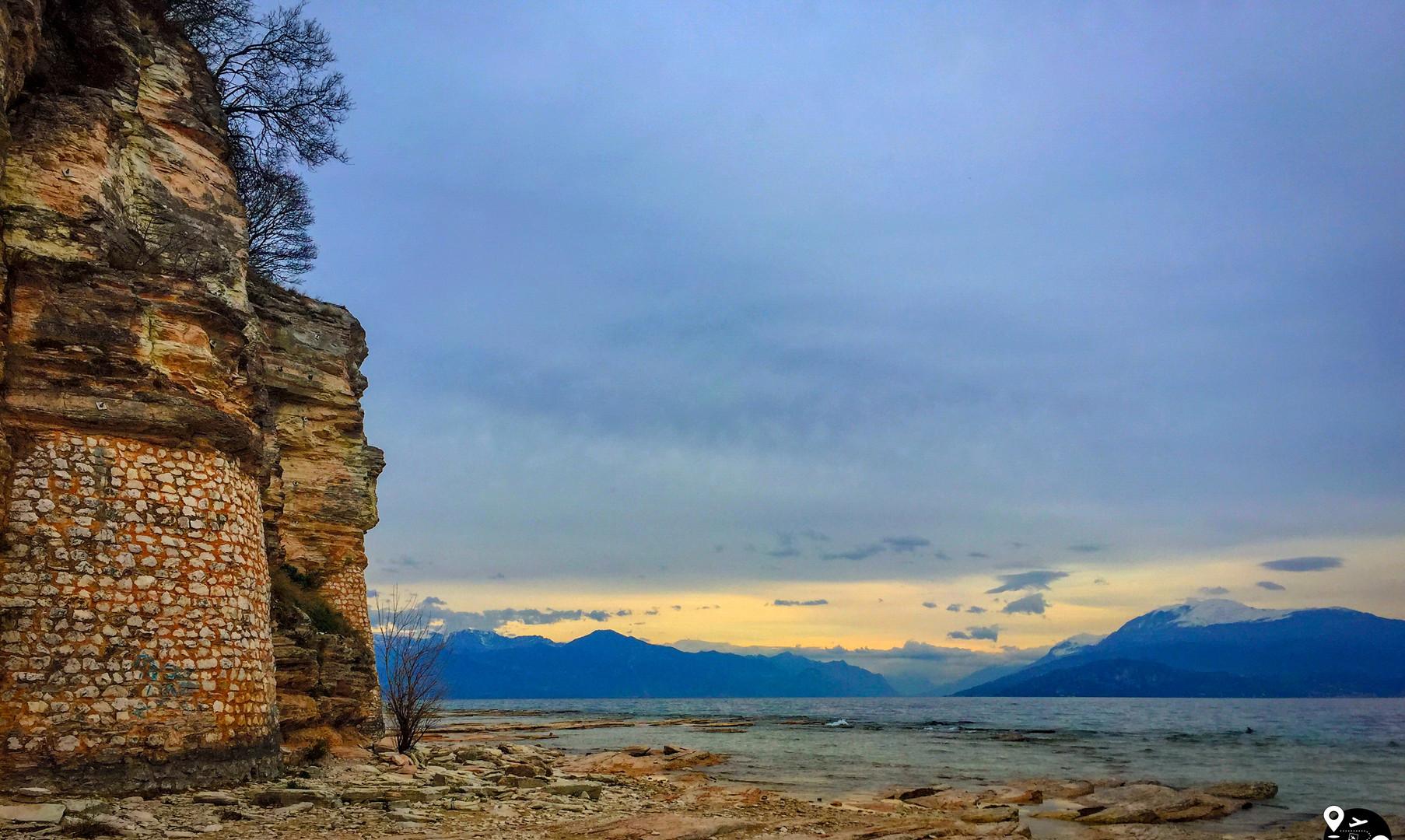 Остовы римской виллы, озеро Гарда