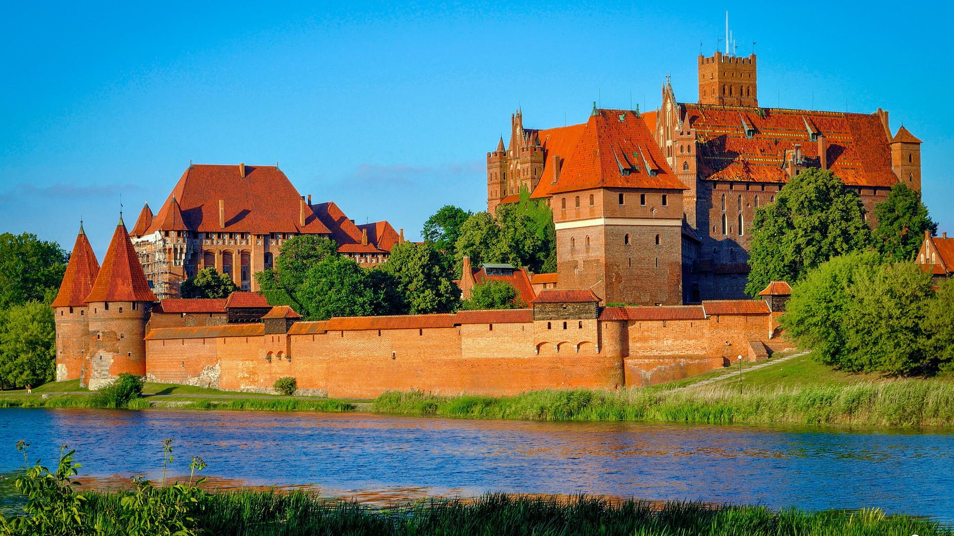 Панорама замка Мариенбург, Мальборк