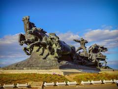 """Скульптура """"Тачанка-ростовчанка"""""""