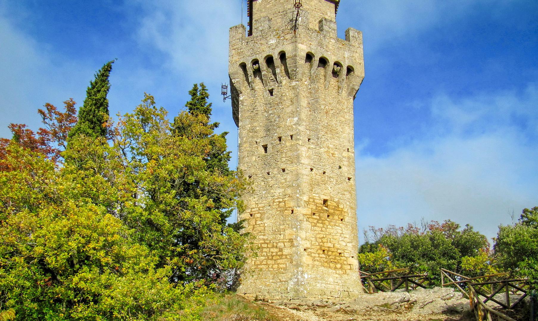 Башня Монтале в Сан-Марино