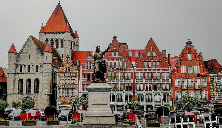 Центральная площадь в Турне