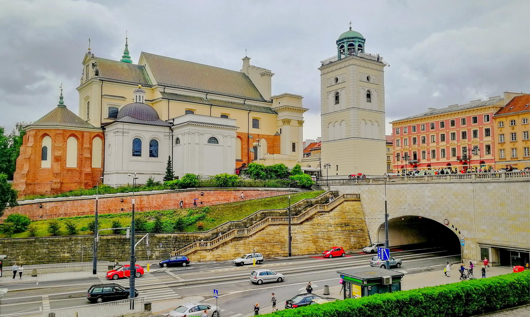 Костёл Святой Анны в Варшаве
