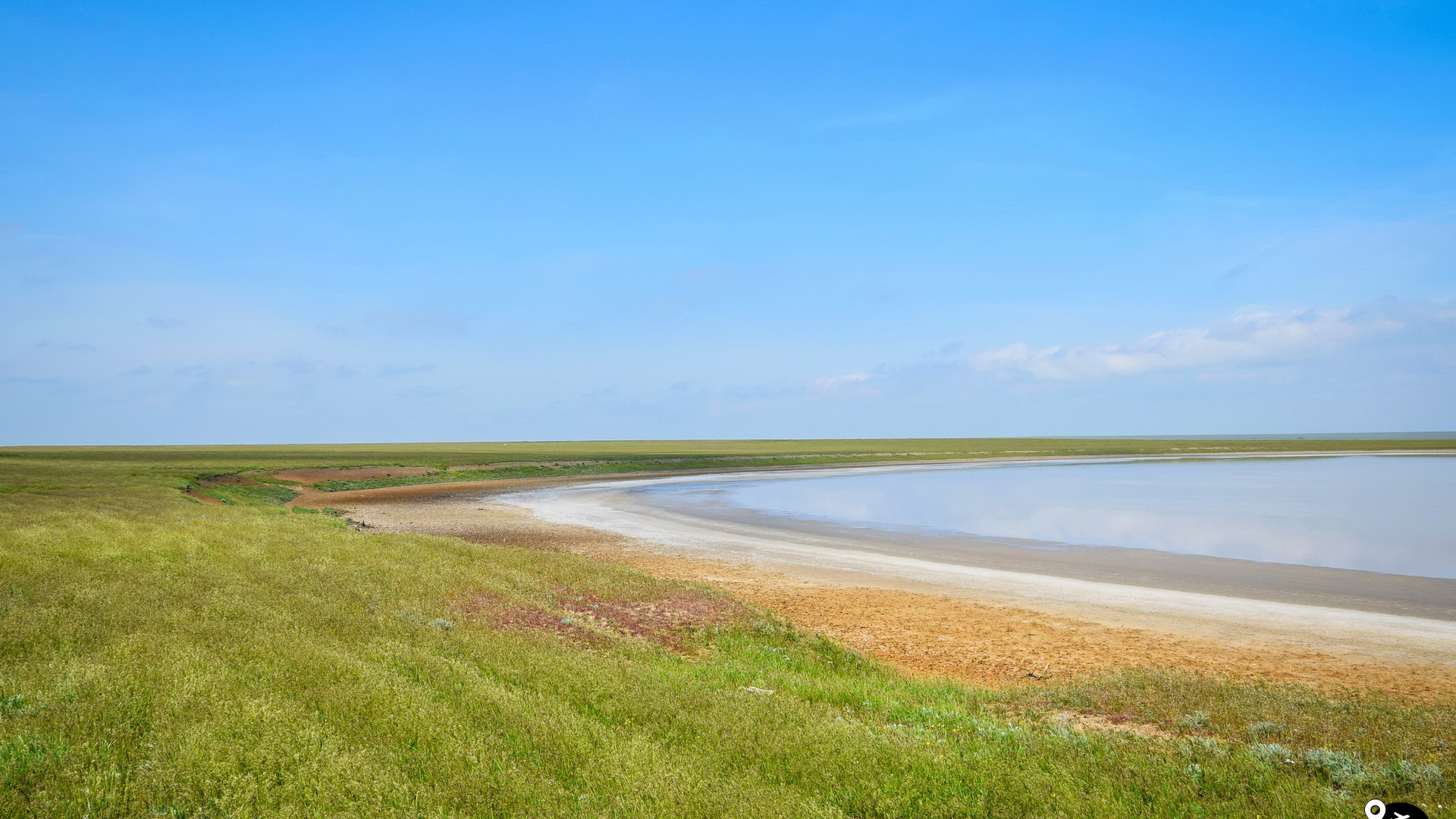 Солёные Яшалтинские озера