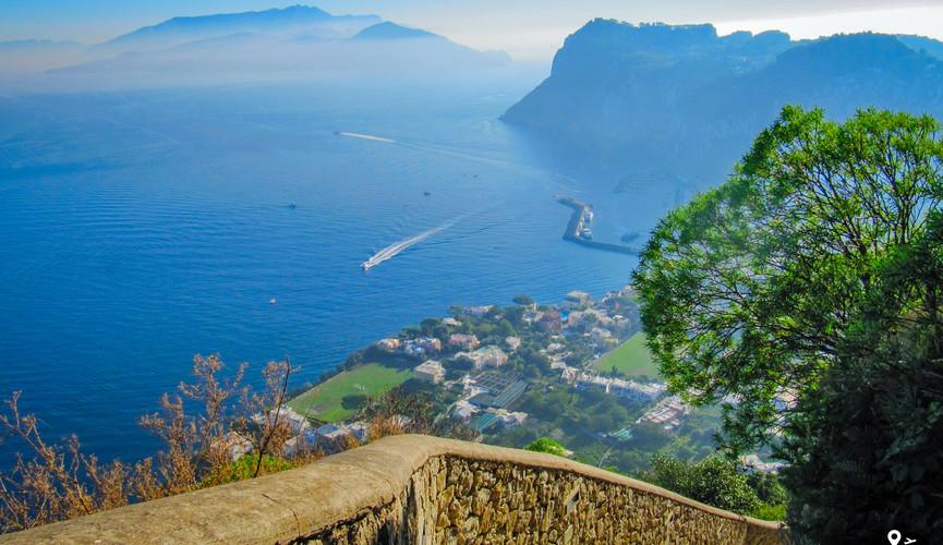 Финикийская лестница на острове Капри