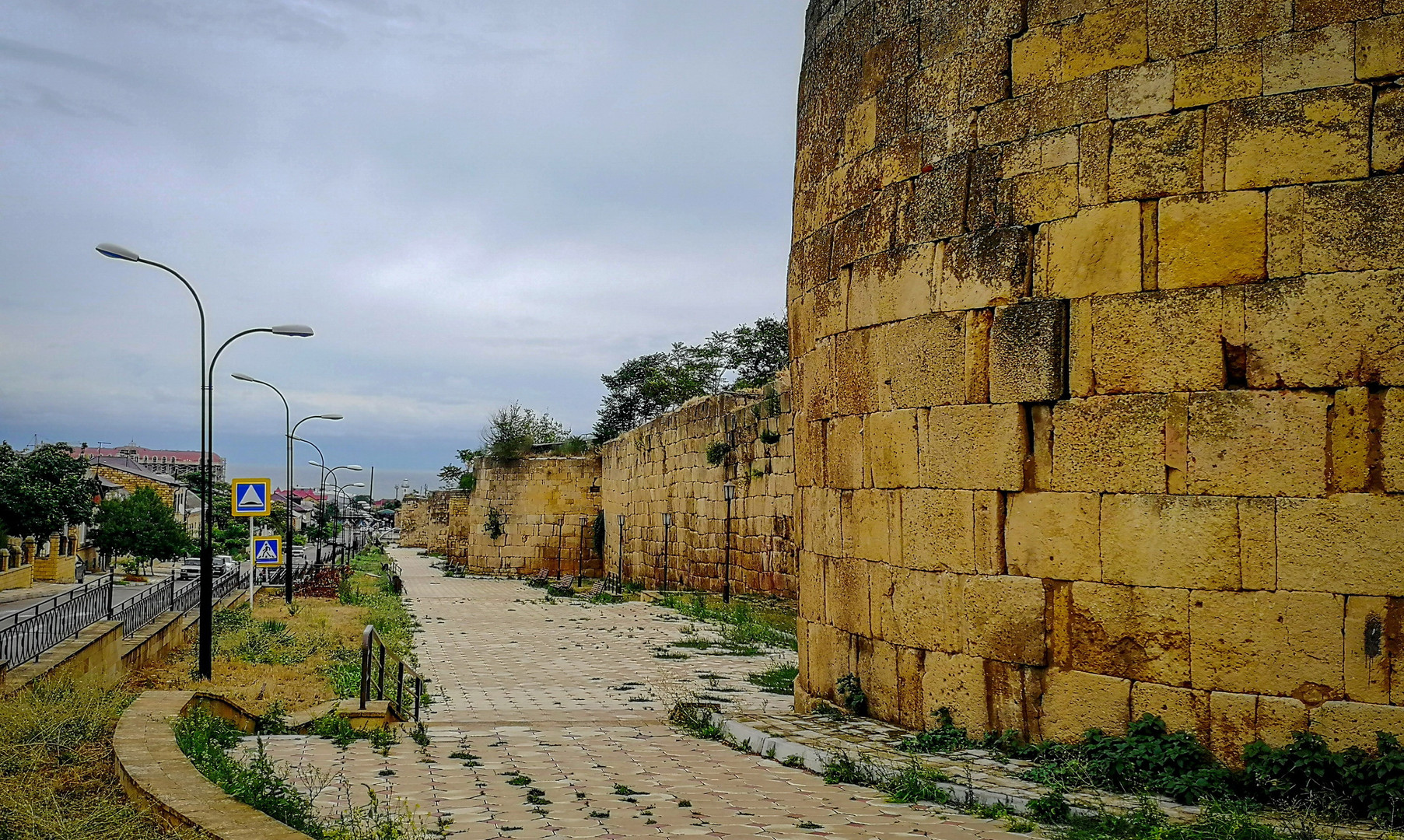 Стены крепости Дербент