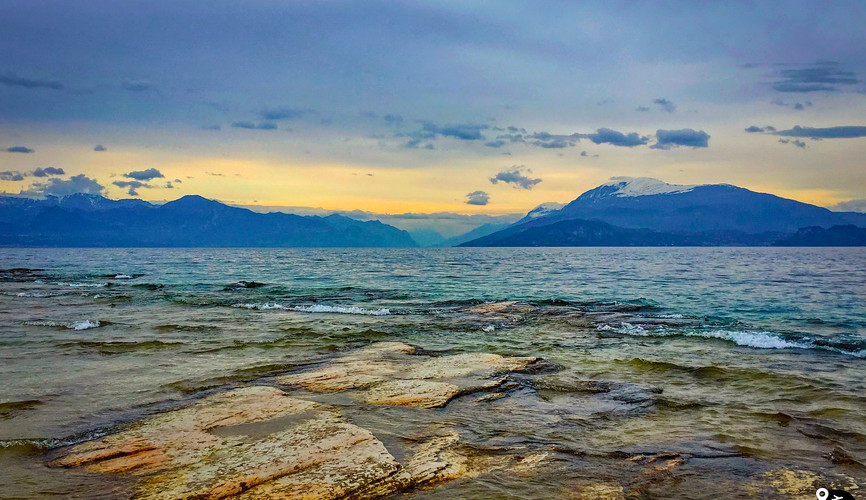 Пейзаж озера Гарда в Сирмионе
