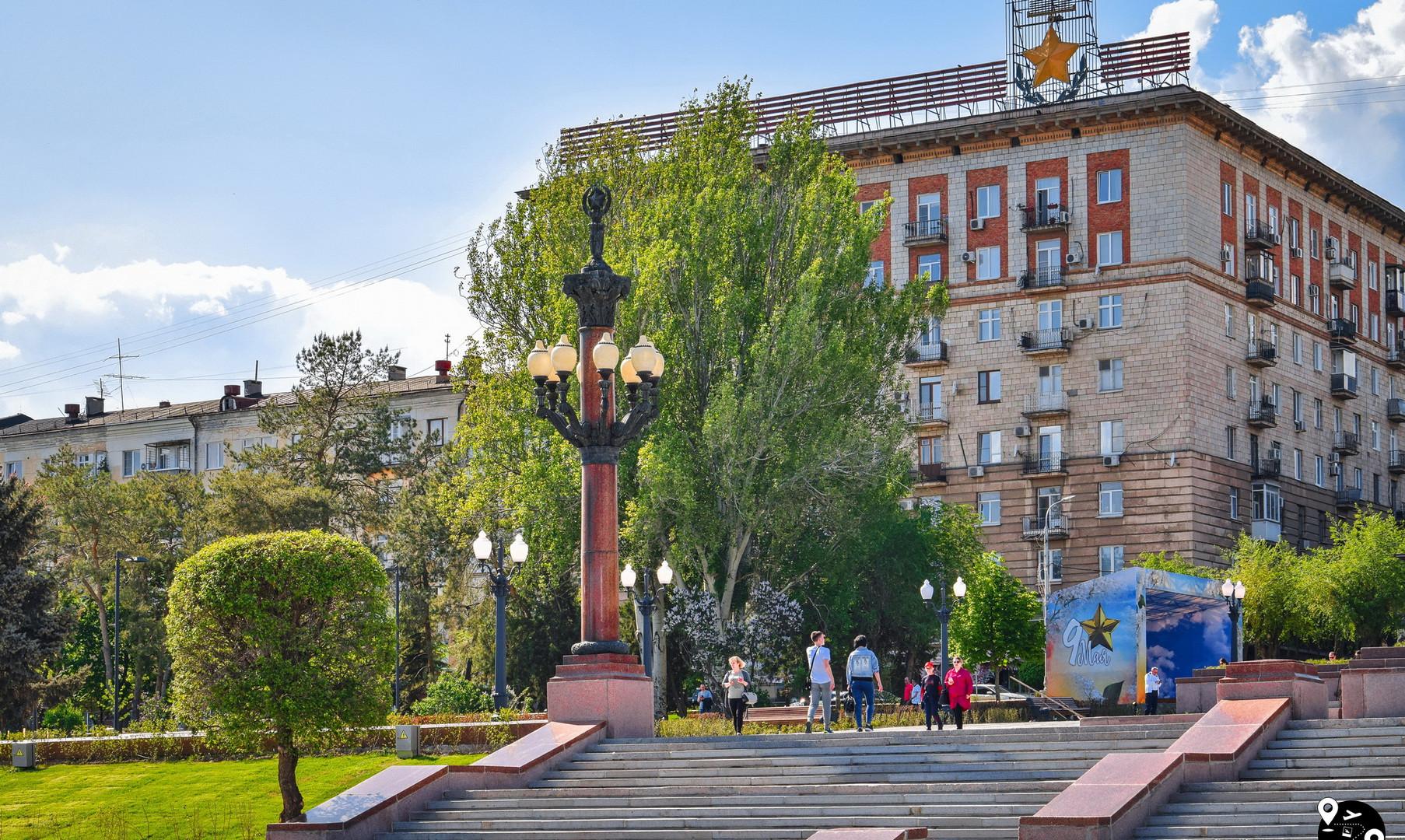 """Площадь у фонтана """"Искусство"""", Волгоград"""