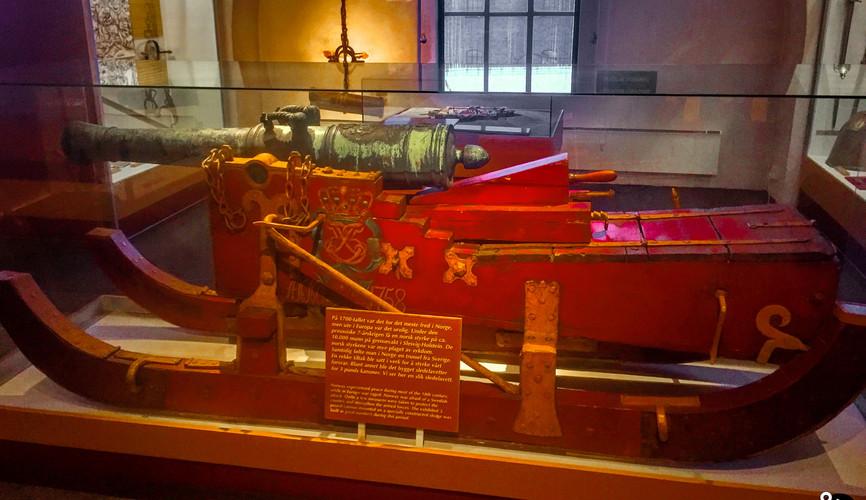 Пушка на санях, военный музей Осло