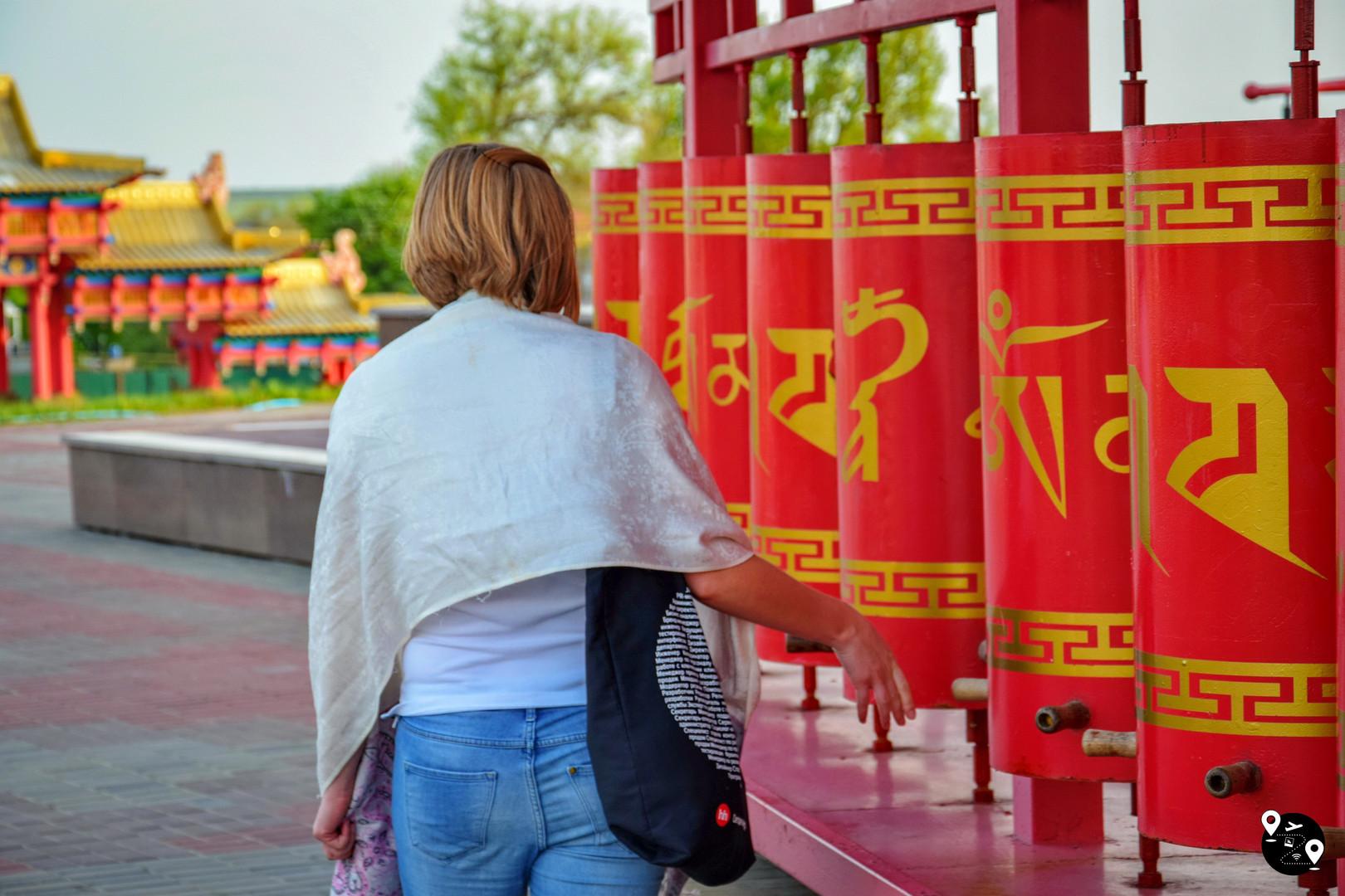 Буддистские барабаны в Элисте