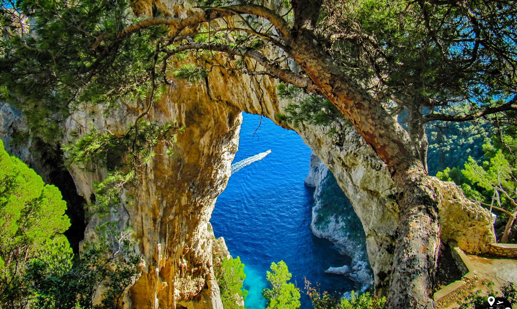 Арка из горы, остров Капри