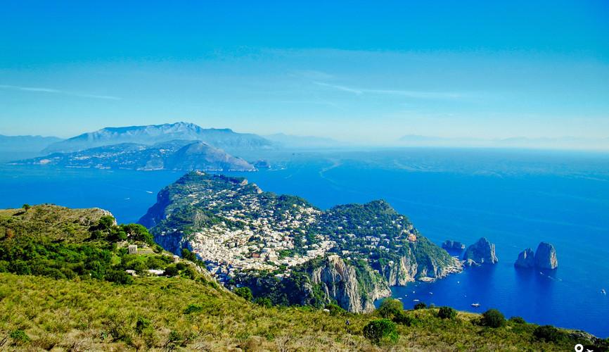 Вид с горы Монте Соларо, Капри