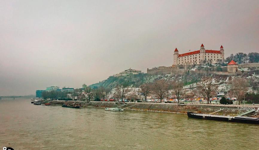 Панорама Дуная с Братиславским градом, Братислава