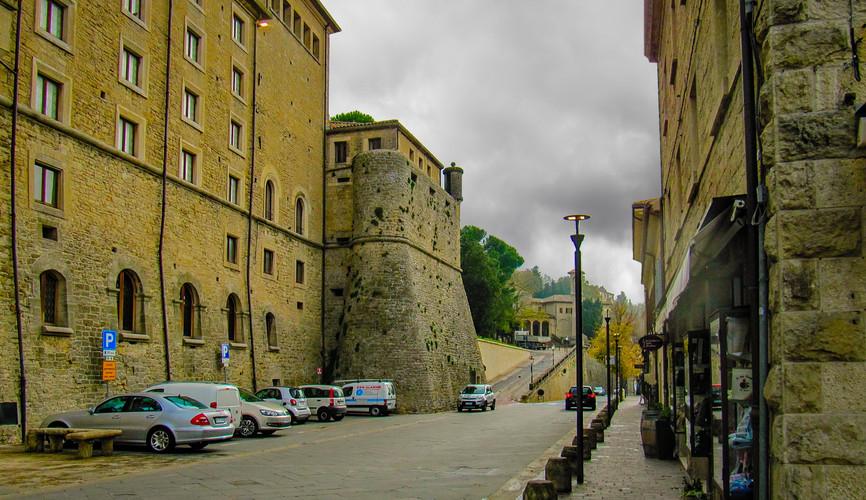 Стены крепости Сан-Марино