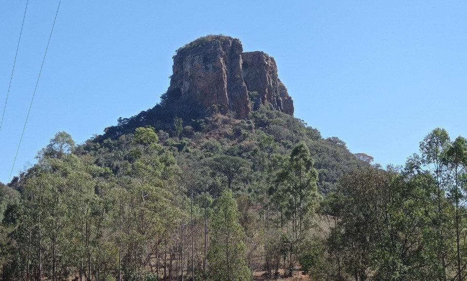Analândia - Morro do Camelo e do Cuscuzeiro