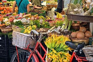 market-3720612_1280.jpg