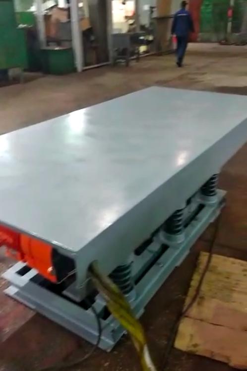 طاولة الاهتزاز مع التحكم في التردد حتى 800 كجم