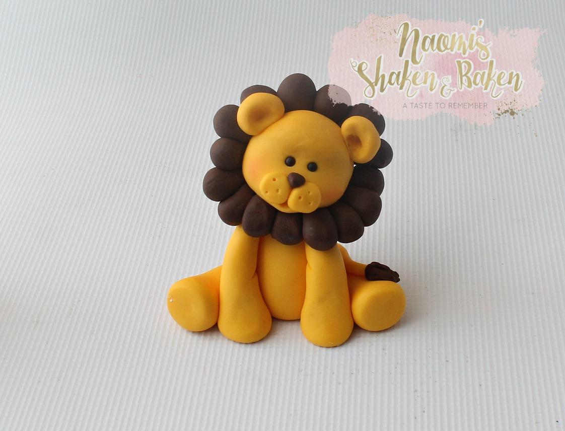 edible lion cake topper