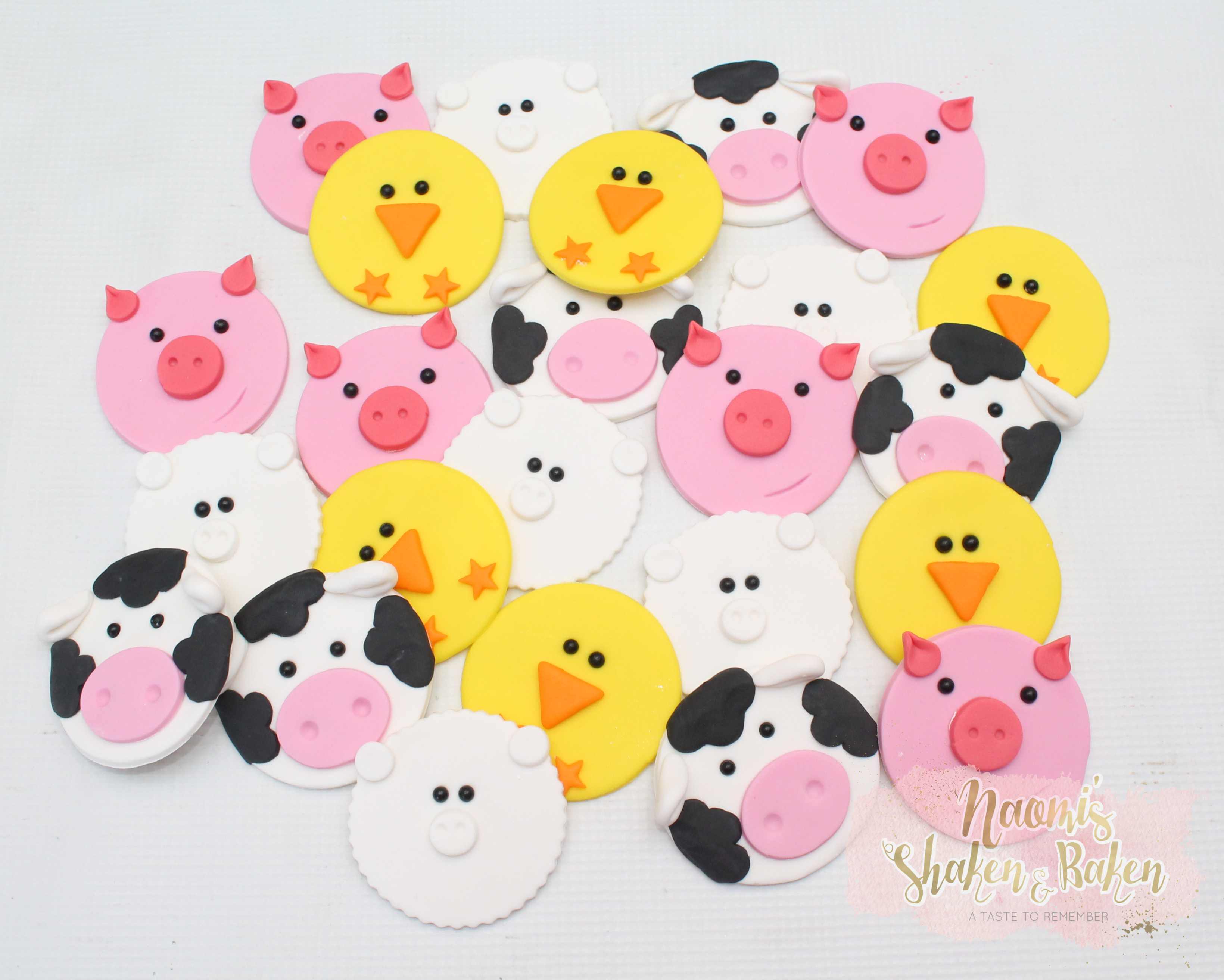 24x Farm animals cupcake toppers