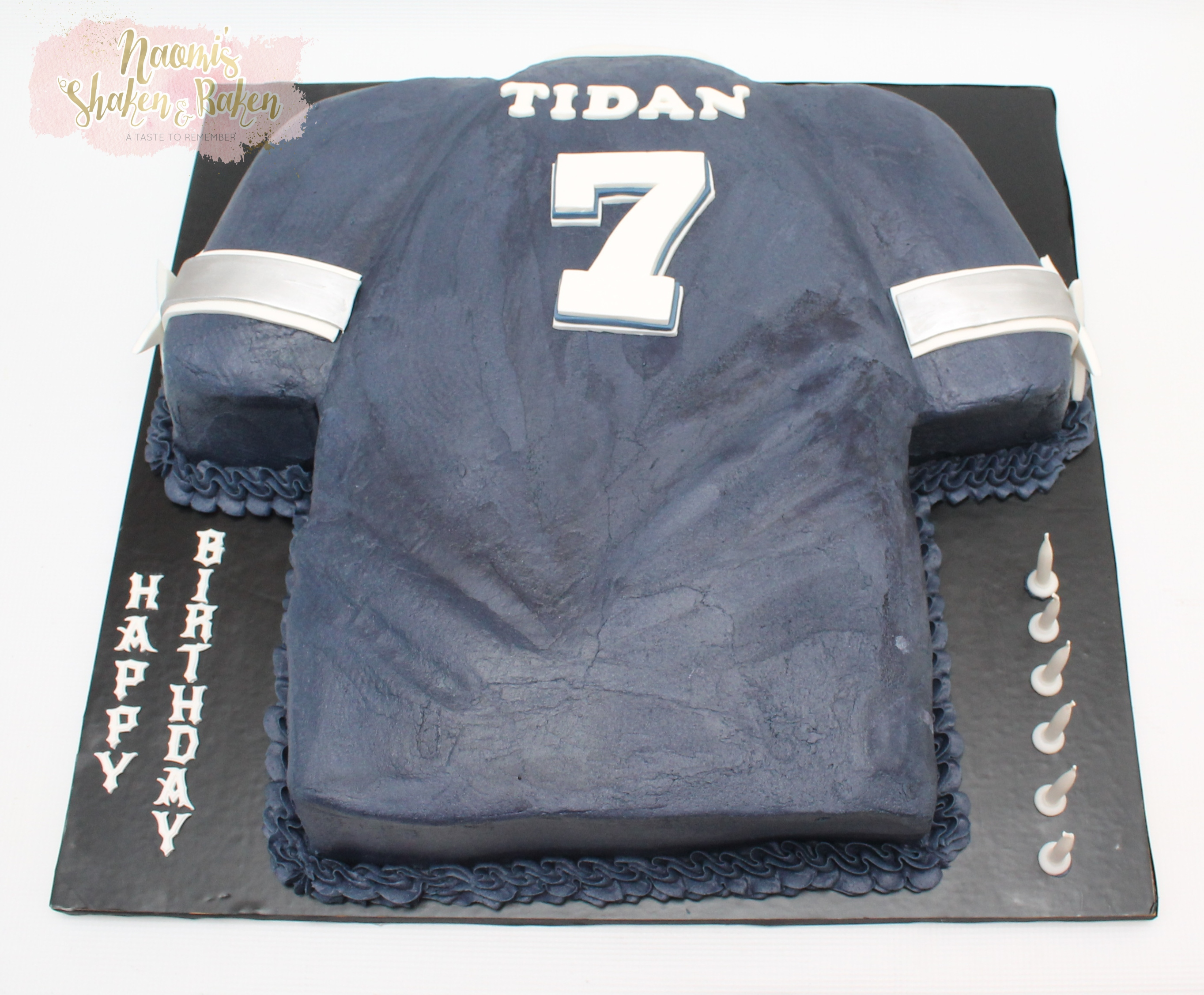 Cowboy's football jersey cake