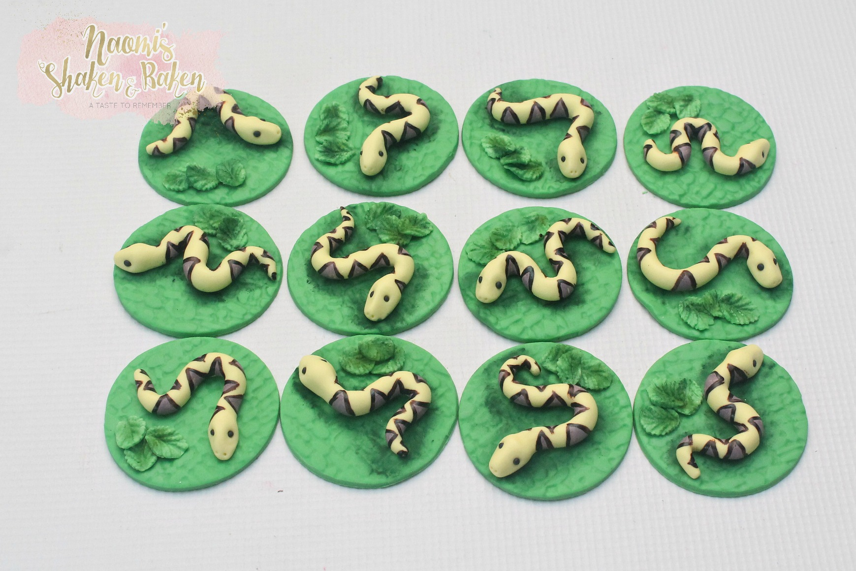Edible Snake Cupcake Toppers