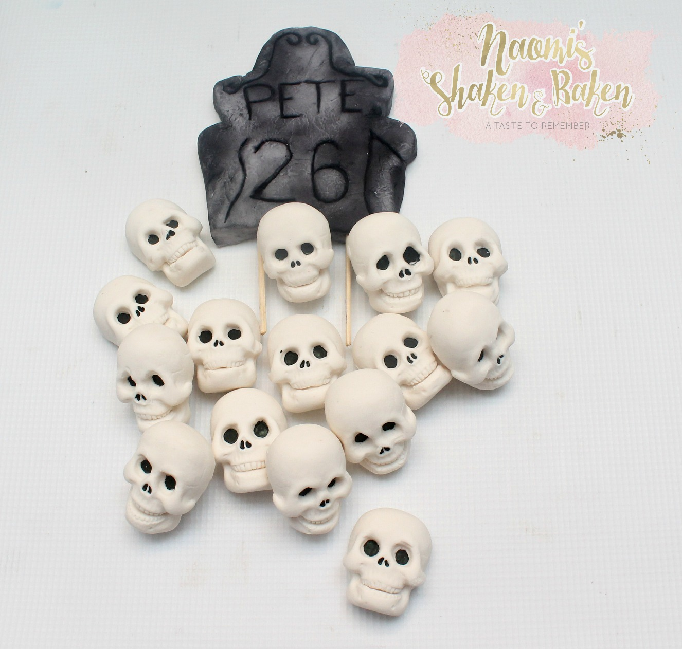 Skull and grave toppers