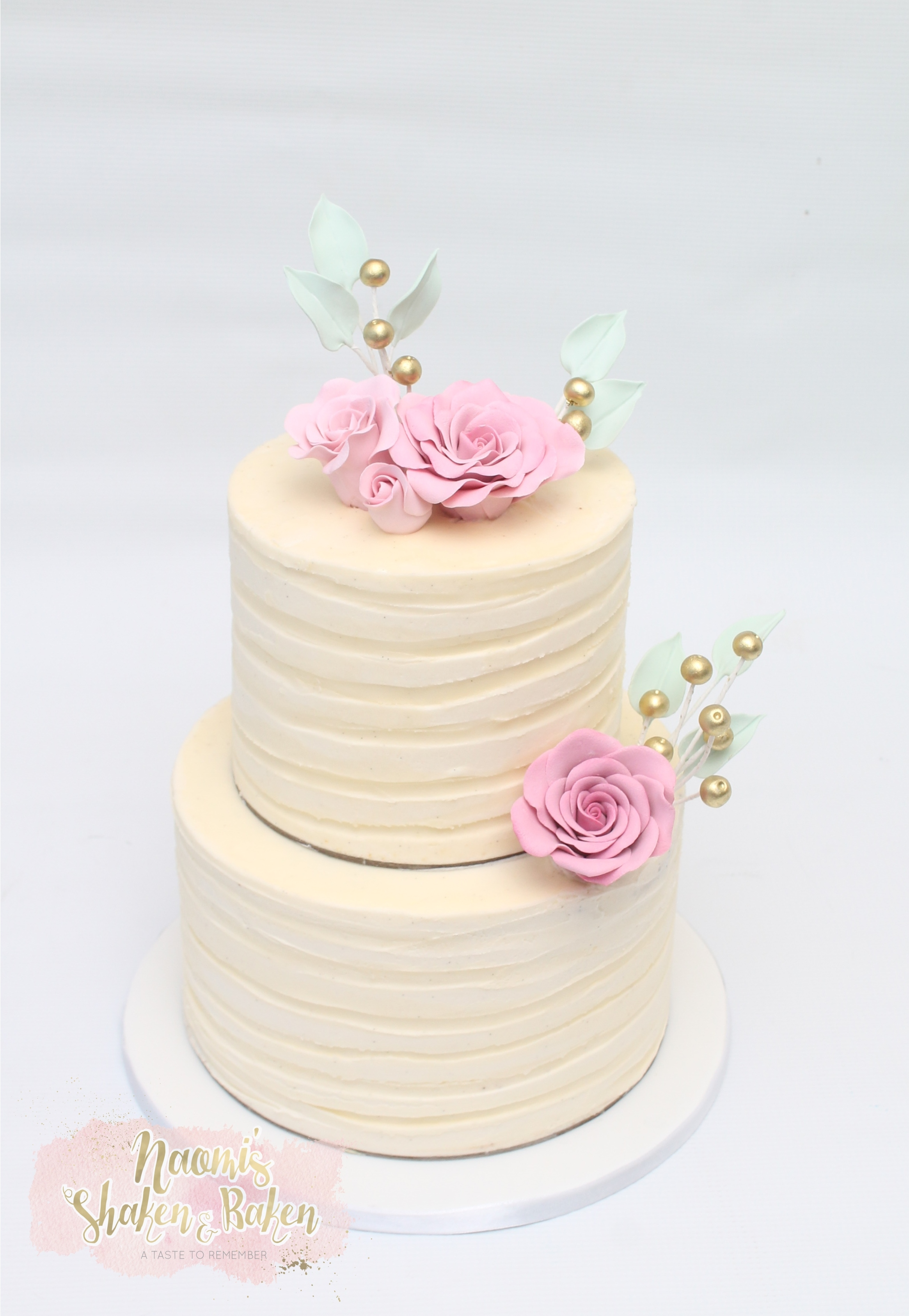 Ribbon effect wedding cake