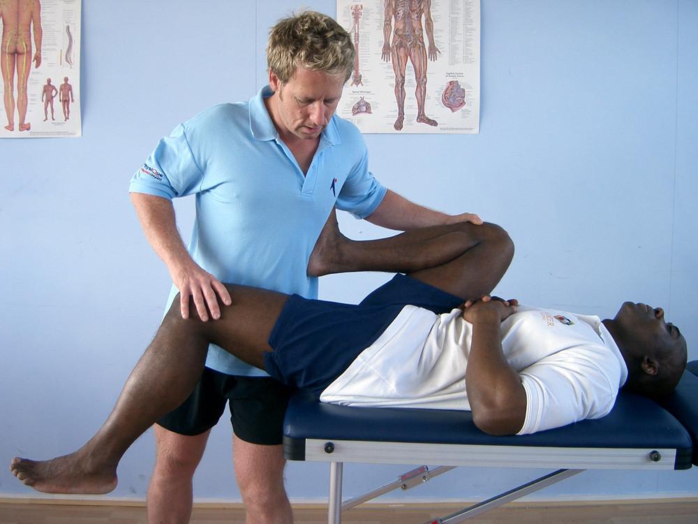 Thomas stretch for Hip flexors with PT