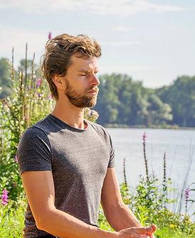 Olaf Meditatie Kralingse Bos.jpg