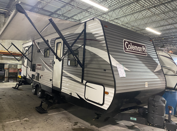 2018 Coleman lantern edition. Model number is 263BH. Camper is 26 feet long. Dry weight is 5700 pounds. Has one slideout. Electric awning and manual jacks. Has two entry doors. Rear has full size bunkbeds. Bathroom is next to that. Living room and kitchen is very spacious. Dinette and couch fold down into beds. Queen size bed up front! Sleeps 6-10 comfortably. Does have a rebuilt title. Priced at $17,800