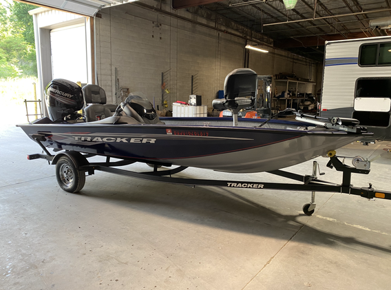 2019 Bass Tracker Pro 175 Team.  Boat is like brand new inside and out. Has a 75 horse motor on it. I DO NOT KNOW THE HOURS. Two captains chairs and two tall sitting chairs. Does have a live well. Two rod lockers. Mini Kota Trolly motor with foot pedal control. Ready to go fishing. Have clean titles for the boat and trailer! Can run on muffs to show it. I do not have a cover. Priced at $19,500.