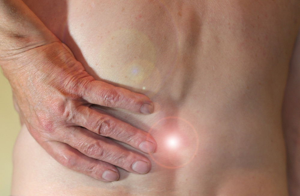 Chiropractor - Carlton Medical Center - spine Pain