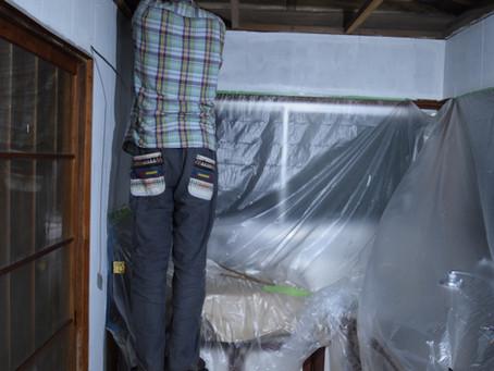 週末DIY「お勝手リノベーション」~天井&壁板撤去、そして壁塗装~