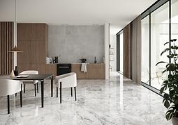 Interior con muebles de madera y piso de mármol