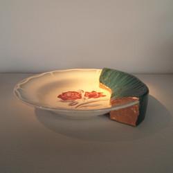 assiette design laquée