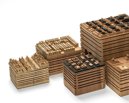coffret en bois, boite en bois design en forme de temple birman