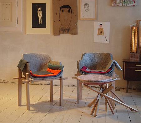 mobilier design en papier maché, fauteuil en papier, tabouret en papier maché