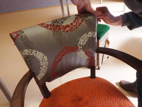 Quel est le tissu parfait pour retapisser mon fauteuil bridge ?