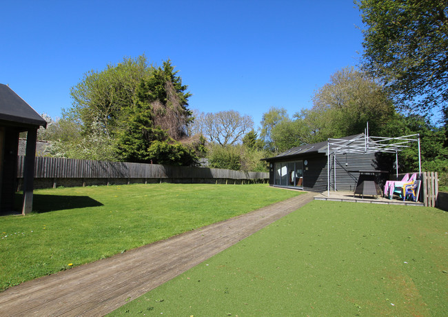 View of rear garden of Malt Barn