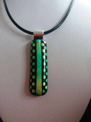 Green dotty pendant