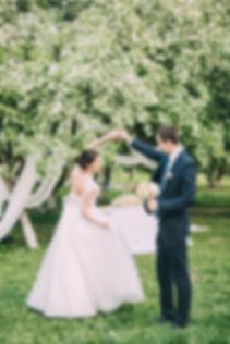 Свадьба в яблонях от свадебного агентства Тюмени Wedding Planner