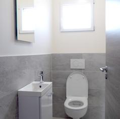 WC suspendu avec lave-mains
