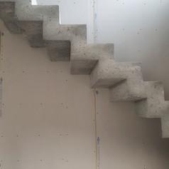 Escalier béton à crémaillière