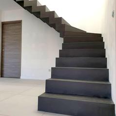 Escalier béton ciré à crémaillère