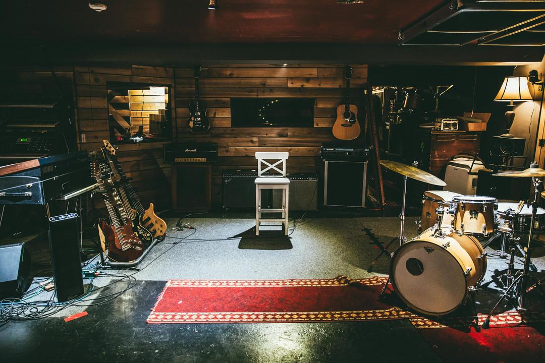876 Studio Live Room