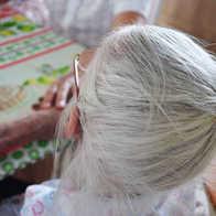 A vida é complicada. Só pode ficar de cabelo branco mesmo! Maria