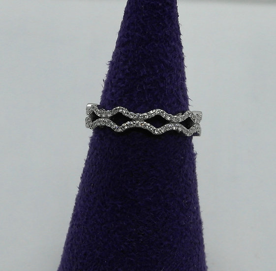 Gold and Diamond Wavy Ring