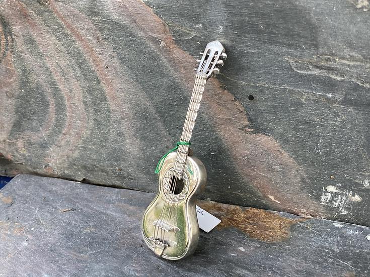 silver guitar model