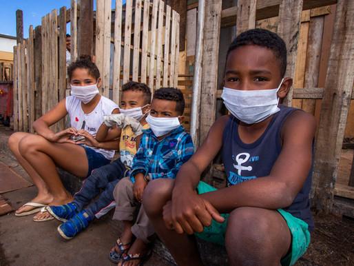 Fome, máscaras e falta d'água: a pandemia na periferia de SP