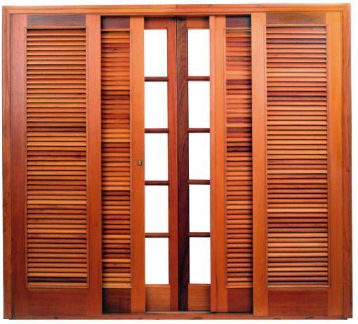 Porta-Balcao-madeira-e-veneziana-correr