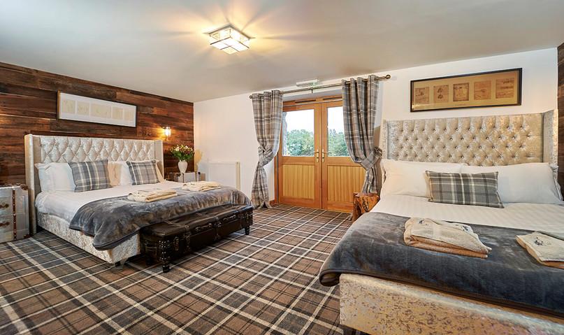 Big-Husky-Lodge-0036-web-2xDouble-Bedroom.jpeg